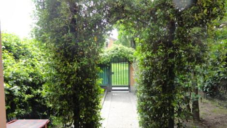 MI3 villetta con giardino